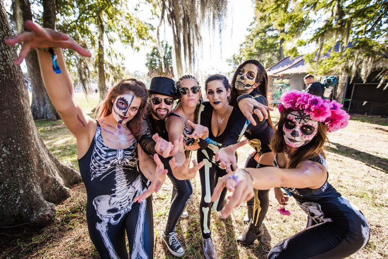 How to Dress for Voodoo Music + Arts Experience