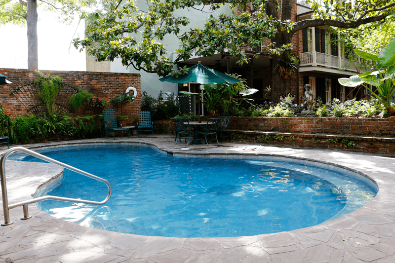 French-Quarter-Hotels-with-Pools-Place-d-armes