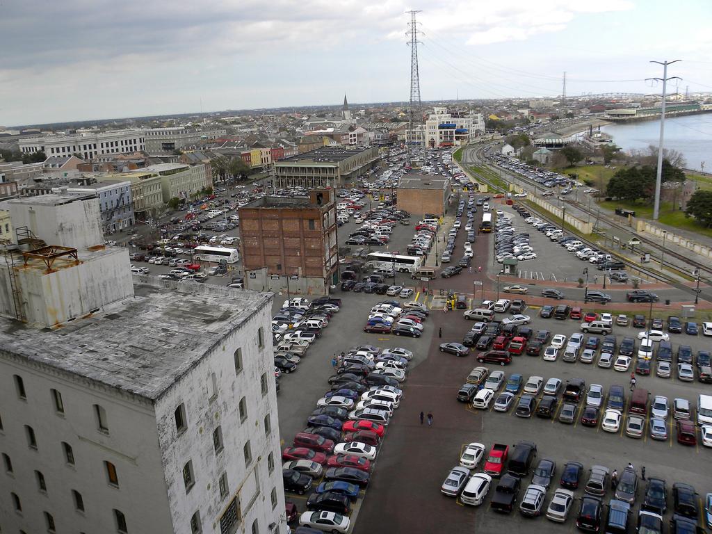 Find The Nearest Parking Garage