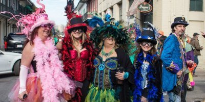 How to Dress for Mardi Gras